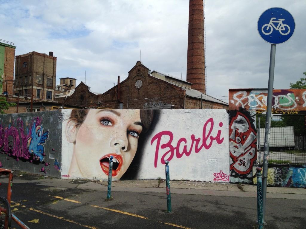 Palvin Barbi meganfoxos szájjal